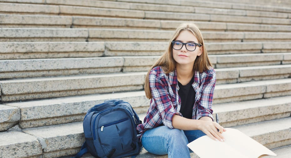 Student loan refinancing rates drop again to record low: How to find your rate