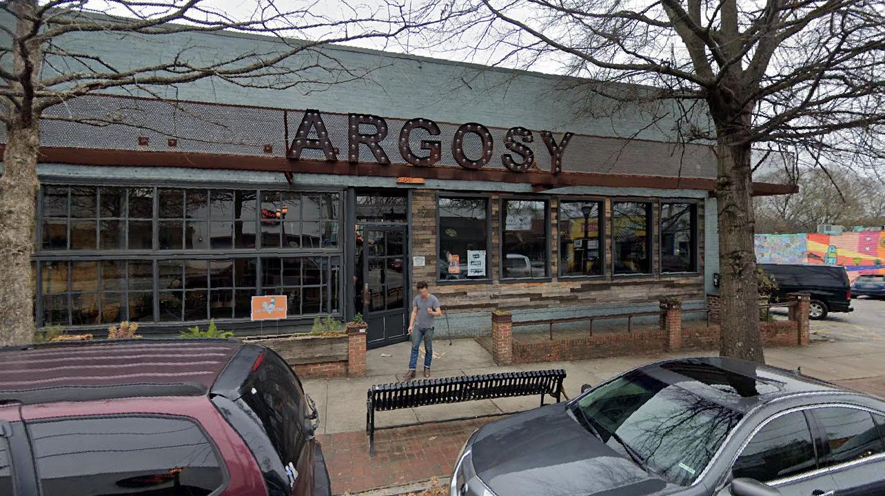 Atlanta restaurant's sign prompts death threats: report