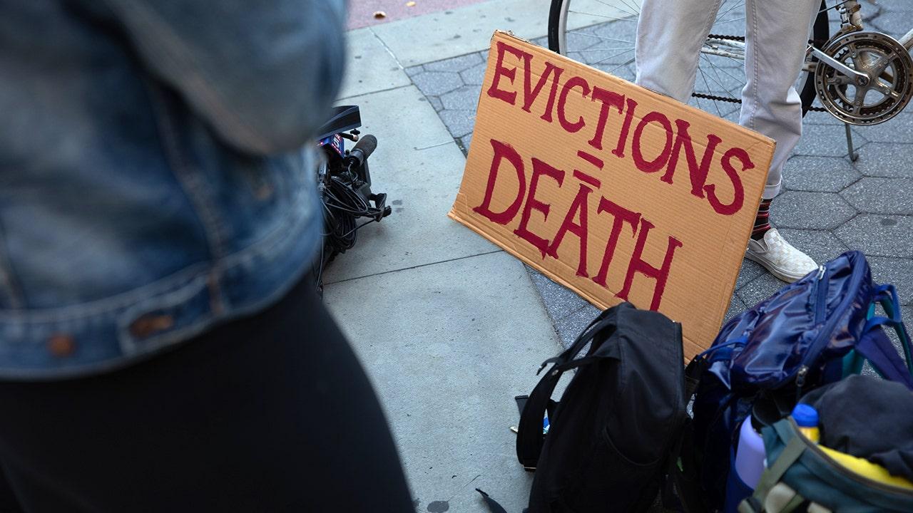 Progressives slam Biden for letting eviction ban expire