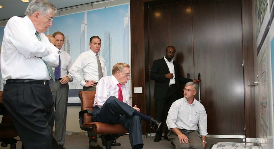 Larry Silverstein sits in a design meeting with the Rogers design team for World Trade Center 3