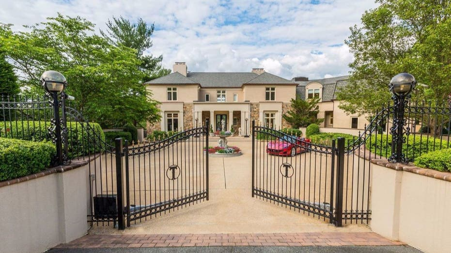 Mike Tyson's former house sold