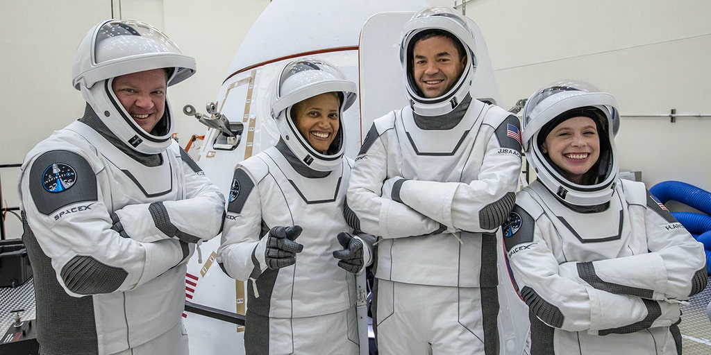 SpaceX's first all-civilian spaceflight launch date set, will orbit around Earth for 3 days