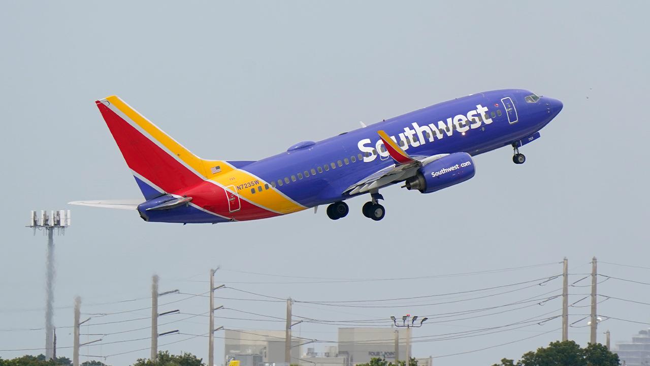 Judge rejects pilot union's attempt to block Southwest Airlines vaccine mandate