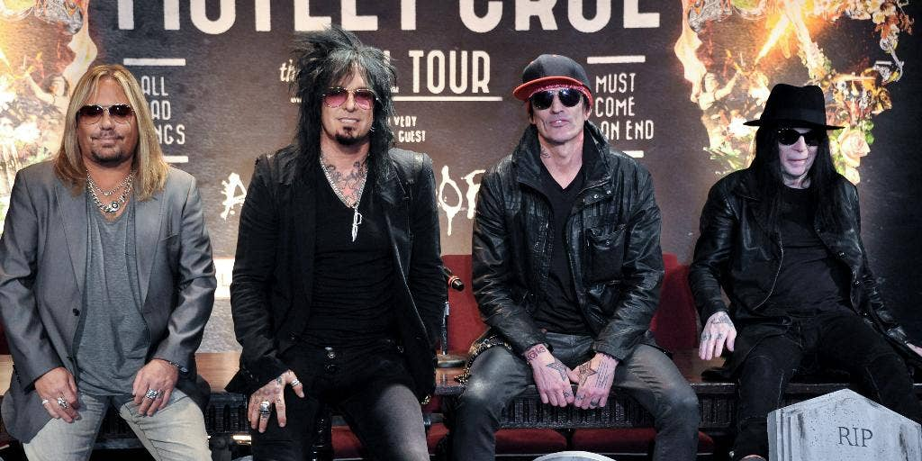 Poison Tour 2020.Motley Crue Eyeing Reunion Tour With Def Leppard Poison In