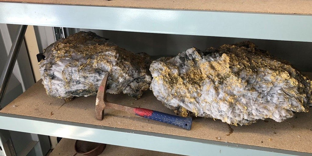 Gest Gold Nugget In History Weighing 198 Pounds Worth