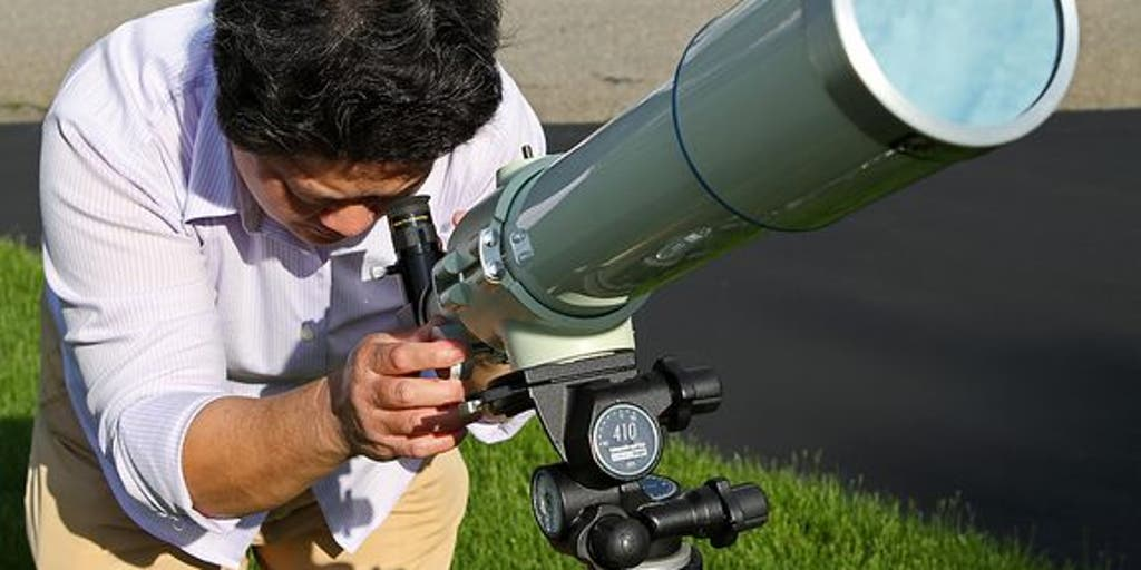 observing with a telescope in a handicap - 900×600
