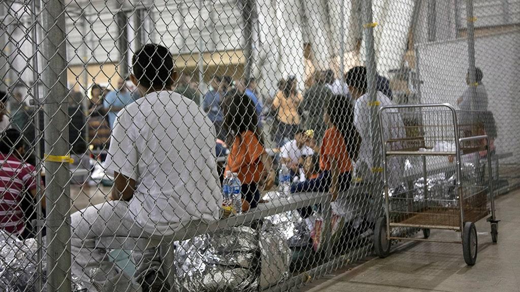 Dem rep says media shouldn't see inside border facilities for migrant children
