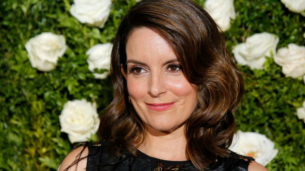 Tina Fey says don't expect 'much politics at all' at Globes
