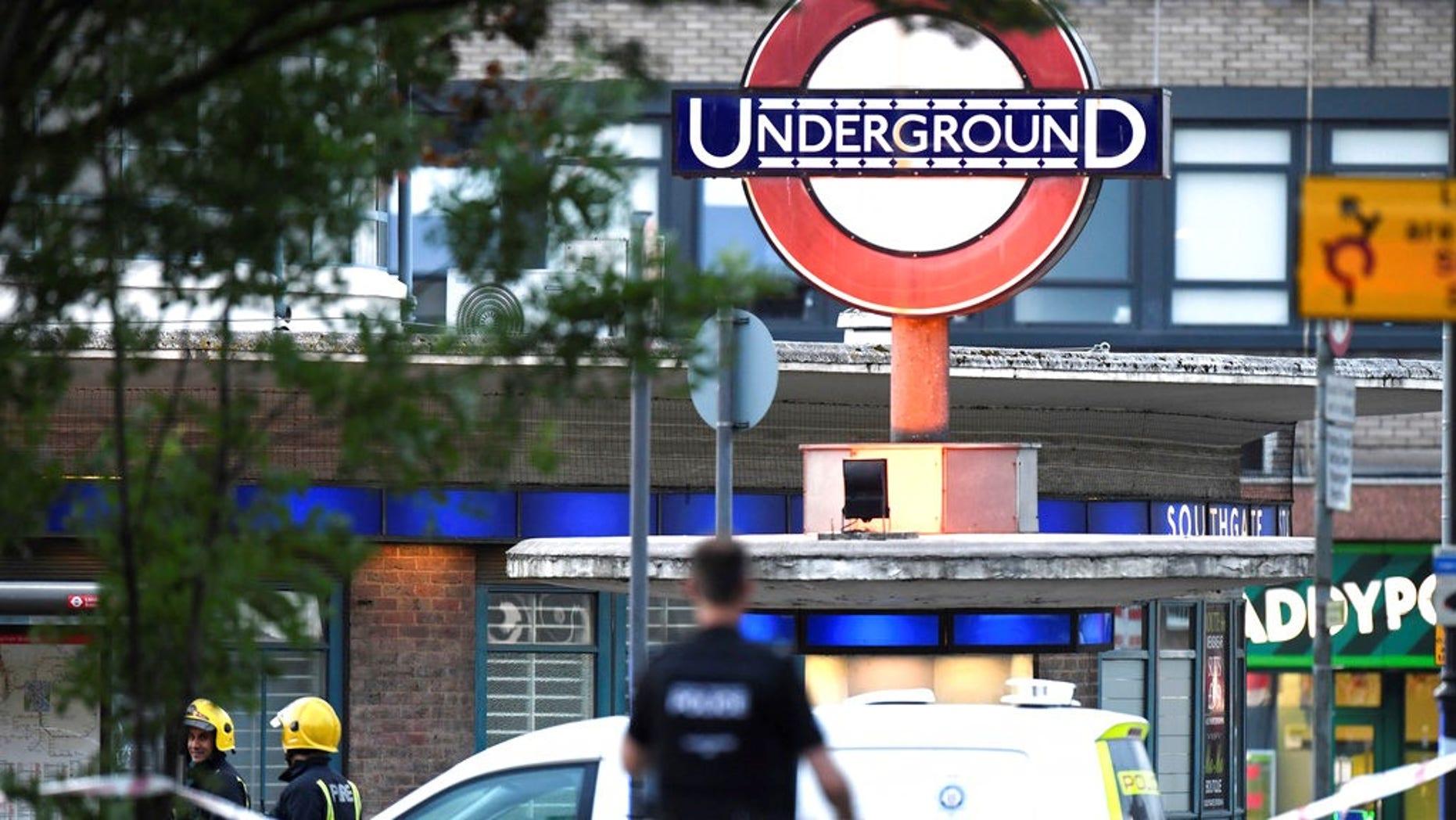 UK deploys 500 transit police to prevent unnecessary travel amid coronavirus outbreak