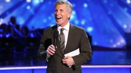Tom Bergeron shades 'Dancing with the Stars' in Twitter bio, leaving fans tickled with laughter