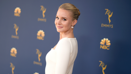 Kristen Bell sparks outrage online for 'Snow White' kissing consent comments
