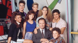 'Saved by the Bell' castmembers reunite to celebrate 30 years of friendship