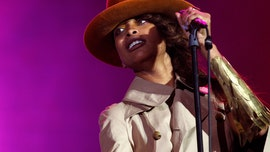 Erykah Badu demands apology from 'Surviving R. Kelly' producer