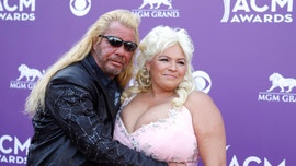Beth Chapman shares first image of herself since new round of chemotherapy treatment