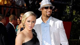 Kendra Wilkinson says she signed her 'last divorce paper' from Hank Baskett: 'I gave it all I got'