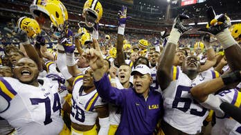 Former LSU coach Les Miles accused of inappropriate conduct with female students: report