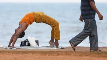 Review offers limited support for using yoga for back pain relief