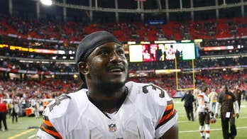Cleveland Browns running back donates thousands to Dallas fallen officers fund