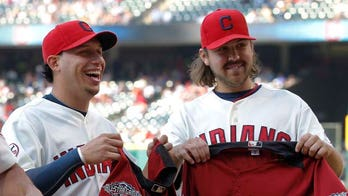 Asdrubal Cabrera & Chris Perez Help Indians Become Talk of Town in Cleveland