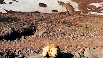 Oregon woman reunites girl with stuffed animal lost on hike