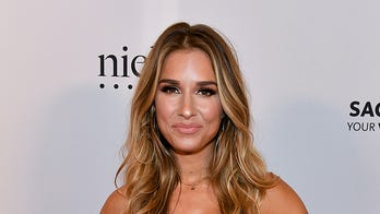 Jessie James Decker struts around in black bathing suit: 'Just another day at the office'