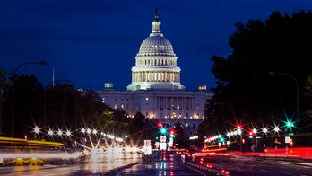 'Minibus' funding bill moves forward as lawmakers cheer bipartisan deal