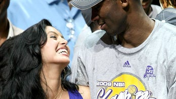 Vanessa Bryant posts old photo of Kobe Bryant in 'I Can't Breathe' shirt amid George Floyd death, riots