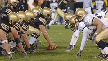 Army-Navy game to feature throwback 1960s Navy football uniforms this year
