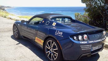Two electric cars, one planet to race around: Who will win?