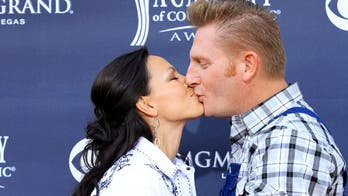 Country singer Joey Feek stops seeking treatment for cancer