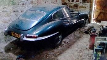 Barn-find 1962 Jaguar E-type awakens from 35-year cat nap