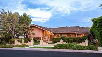 'Brady Bunch' house renovations reportedly causing issues for local neighborhood residents