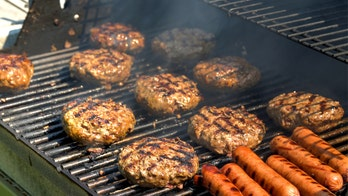 8 mistakes you make when grilling burgers