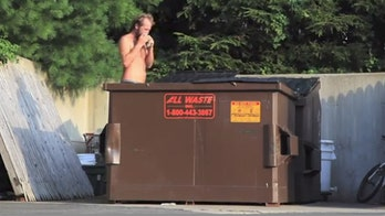 Man eats out of dumpsters for a week to highlight food waste