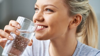 Hydrogen water: the truth about this new trend