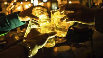 For men, heavy drinking may damage hearts over time
