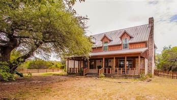 This 'Fixer Upper' country farmhouse can be yours for $475G