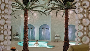 Billionaires can now rent out legendary Palm Springs resort for $1 million