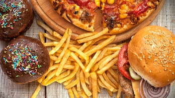 Quitting junk food causes withdrawals like drug addiction: study