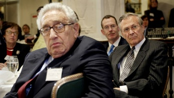 Kissinger Satisfies Few With Apology for Comment on Jews in Soviet Gas Chambers