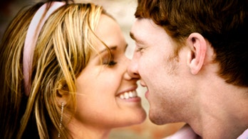 Top 10 places to kiss in the U.S.