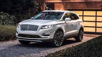 Little Lincoln MKC refreshed for 2019 with big car style and tech