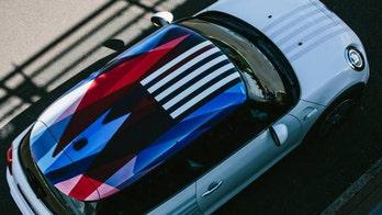 Royal wedding car features new British-American flag