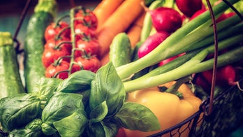 Eating organic foods cuts cancer risk, study suggests