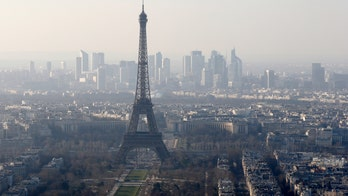 Paris shaken by major blast noise caused by fighter jet breaking sound barrier