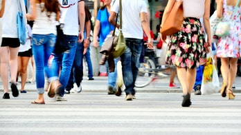 Pedestrian deaths in the U.S. soared from 2009-2016, study shows