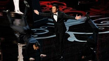 Critics: Some of Seth MacFarlane's Oscar jokes 'inappropriate,' 'sexist'
