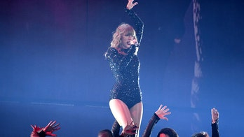 Taylor Swift gets surprise as 'Fearless' hits diamond status