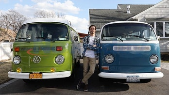 Man finally gets VW Microbus he left a note on asking to buy 8 years ago