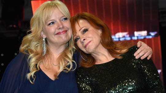 'Punchline' host Melissa Peterman says Reba McEntire is 'wicked funny,' and 'hardcore' at Backgammon